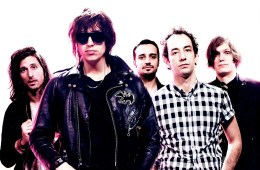 Donald Trump producirá el nuevo disco de The Strokes. Cúsica Plus