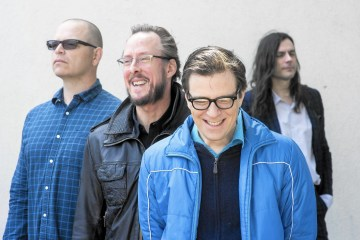 Weezer. I Love The USA. Video nuevo. Cúsica Plus