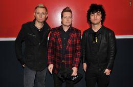 "Mira el video para ""Still Breathing"" de Green Day. Cúsica Plus"