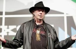 Neil Young anuncia que prepara un nuevo sitio de streaming musical con su empresa Pono. Cusica Plus