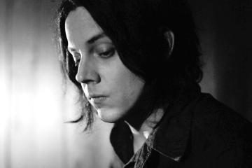 "Jack White publica un video en vivo interpretando ""The Rose With the Broken Neck"". Cusica Plus"