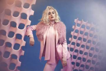 """Katy Perry estrena video para """"Chained To The Rhythm"""". Cusica plus"""