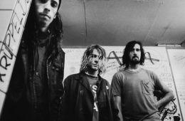 """""""Smell like Teen Spirit"""" de Nirvana tocada por 1.200 músicos. Cusica Plus"""