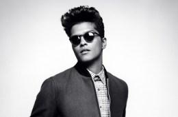 """Bruno Mars muestra sus geniales pasos en """"That's What I Like"""". Cusica plus"""