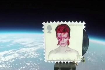 Estampillas de David Bowie están en el espacio. Cusica plus