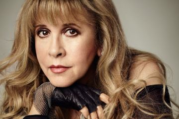 "Stevie Nicks presento su nueva canción: la enternecedora ""Your Hand I Will Never Let It Go"""