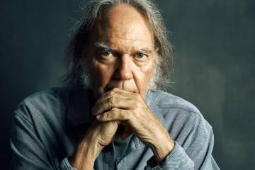 Neil Young usa imágenes de Venezuela en su nuevo vídeo. Cusica plus.