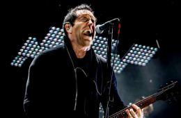 """Nine Inch Nails nos invita a la fiesta del abismo con """"Less Than"""". Cusica Plus."""