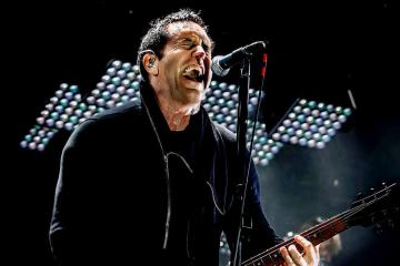 "Nine Inch Nails nos invita a la fiesta del abismo con ""Less Than"". Cusica Plus."
