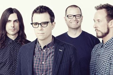 Weezer quiere ser Guns and Roses en su nuevo video. Cusica plus.