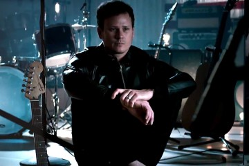 Tom Delonge estrena EP acústico de Angels And Airwaves. Cusica Plus.