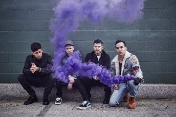 "Fall Out Boy tiene un nuevo himno pop con ""Last Of The Real Ones"". Cusica Plus."