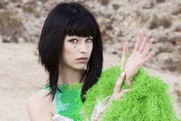 """Kimbra vuelve acompañada de Skrillex en la explosión funk """"Top Of The World"""". Cusica Plus."""