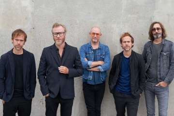 "The National estrena el misterioso video de ""Sleep Well Beast"". Cusica Plus."