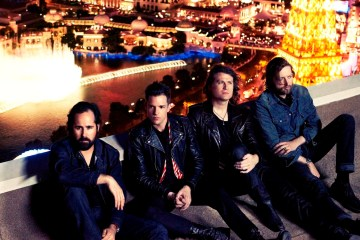 The Killers versionan a Arcade Fire en su ciudad natal de Quebec. Cusica Plus.