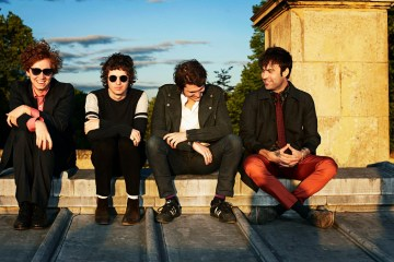 Escucha a The Kooks versionar a Portugal. The Man en acustico. Cusica Plsu.