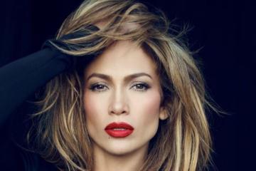"""Jennifer Lopez sigue apostando a los tonos electrónicos de la mano de Skrillex en """"Us"""" . Cusica Plus."""
