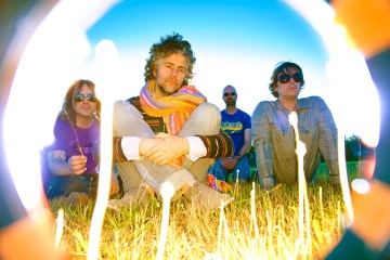 "The Flaming Lips lanzan al público ""Enthusiasm for Life Defeats Existential Fear Part 2"". Cusica Plus."