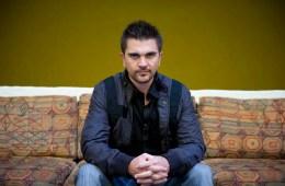"""Juanes se pone en modo bailable en """"Pa dentro"""". Cusica Plus."""