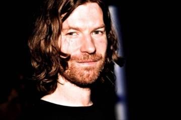 Aphex Twin da indicios de un nuevo disco, con carteles misteriosos. Cusica Plus.