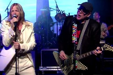 Foo Fighters y Rick Nielsen de Cheap Trick tocaron juntos en Chicago. Cusica Plus.