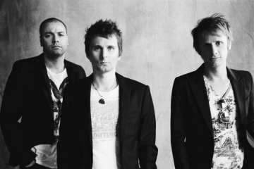 "Muse publicó su nuevo tema ""Something Human"". Cusica Plus."