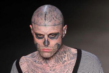 """Lady Gaga lamenta la muerte de su amigo """"Zombie Boy"""". Cusica Plus."""
