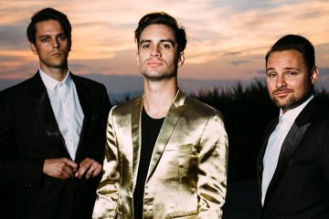 "Panic! At The Disco versionó ""Hey Ya!"" de Outkast. Cusica Plus."