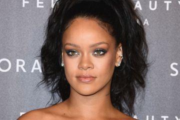 Rihanna rechazó la oferta de cantar en el medio tiempo del Super Bowl por apoyo a Colin Kaepernick. Cusica Plus.