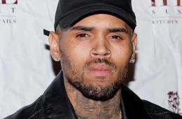 Chris Brown es arrestado en París, tras ser acusado de violación. Cusica Plus.