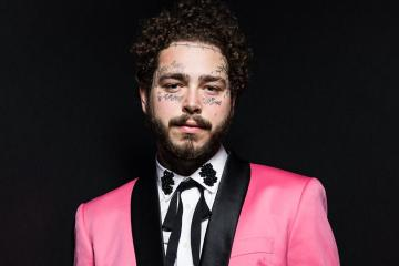 "Post Malone comparte con J Balvin y los Red Hot Chili Peppers en el video de ""Wow"". Cusica Plus."