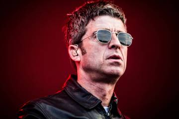 Noel Gallagher intenta que bailemos con su EP ' Black Star Dancing'. Cusica Plus.