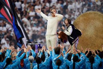 Disfruta de la presentación de Imagine Dragons en la final de la UEFA Champions League. Cusica Plus.