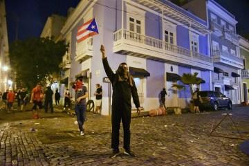 Artistas puertorriqueños piden la renuncia del presidente Ricky Rosselló. Cusica Plus.