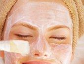 В летните горещини проблемът с омазняването на кожата се засилва