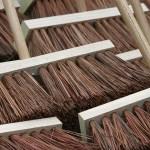 brooms-857508_960_720