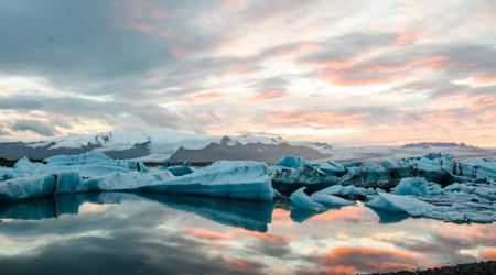 Jökulsárlón - laguna lodowcowa na Islandii