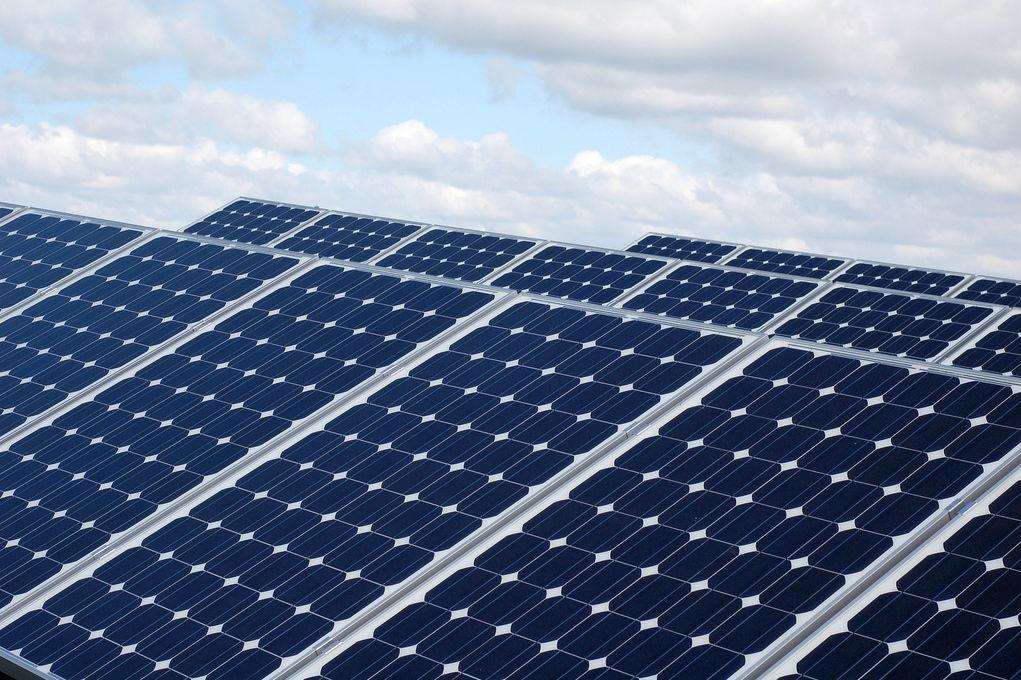 """Banco dos BRICS"" parece disposto a investir em energias renováveis. Foto: Lilly, Viktor, Kim & Gitte Andersen / Flickr / Creative Commons"