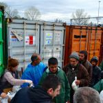 Distribuição de alimentos em Idomeni, Grécia. Foto: Gabriel Bonis