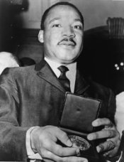 461px-martin_luther_king_jr_with_medallion_nywts.jpg
