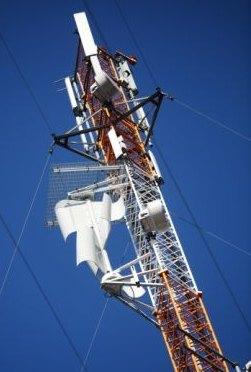 Elisa vertical-turbine on mobile tower