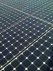 2814805163_163595e211_m_home-solar-panels