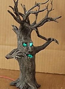 scary-tree2