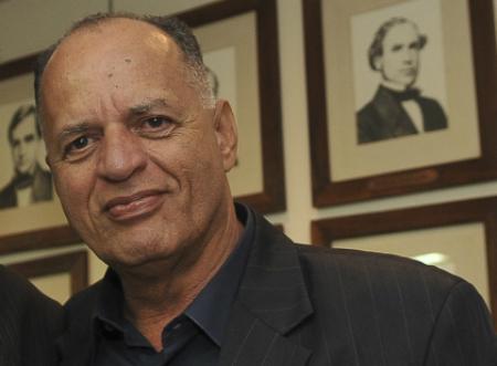 O advogado Carlos Augusto Marighella, aos 68 anos, mora em Salvador, na Bahia (Foto: Agência Brasil)