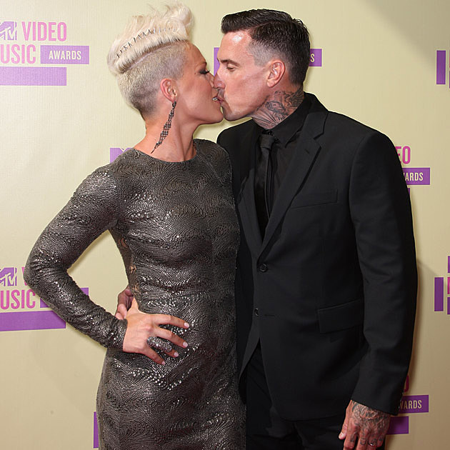 Pink Carey Hart Kissing