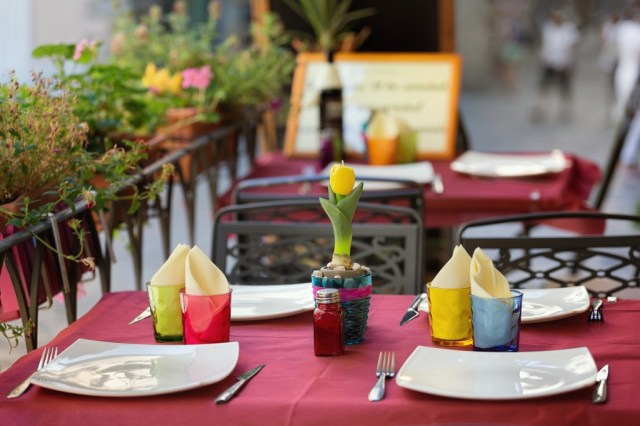 fort wayne restaurants with outdoor dining