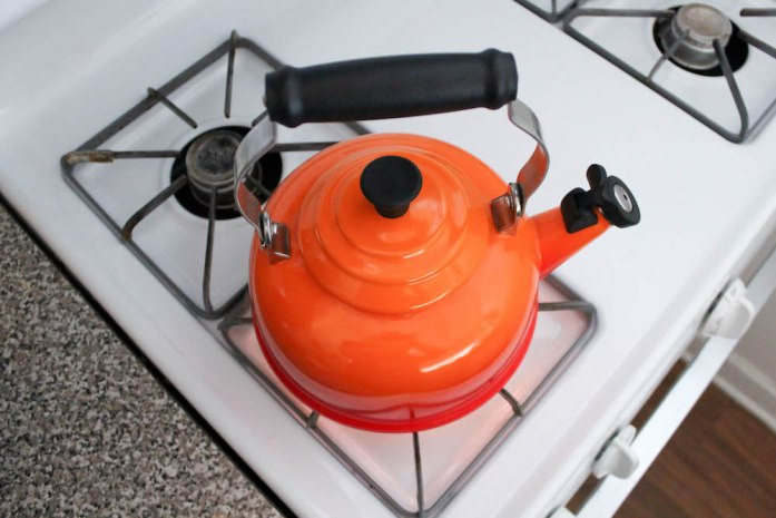 Le Creuset Kettle in Flame for making a London Fog Latte Recipe with Lavender Earl Grey Tea
