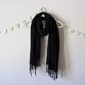 Black Scarf in a winter capsule wardrobe for Project 333