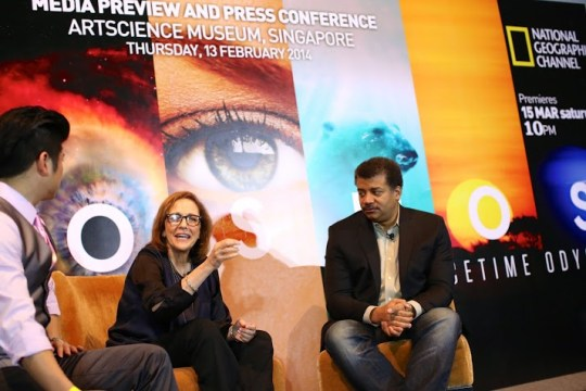Ann Druyan (center) with Dr Neil deGrasse Tyson (right) and press conference host Tim Ho (left)