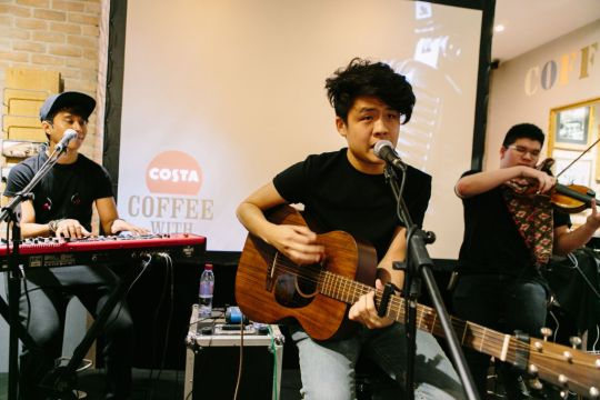 Costa Coffee With Gentle Bones - Performance